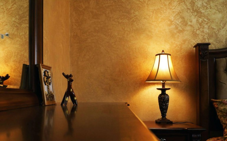 Immagini di pareti colorate se siamo stanchi di le pareti - Nascondigli segreti in casa ...